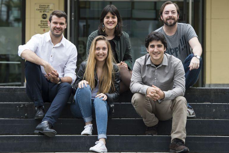 Adrián Gómez (primero por la izquierda) junto al resto del equipo de S-There