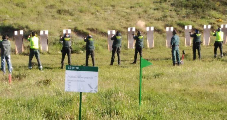 Prácticas de tiro con munición real de la Guardia Civil