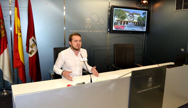 El psoe denuncia colapso en la oficina de registro y for Oficina zona azul talavera