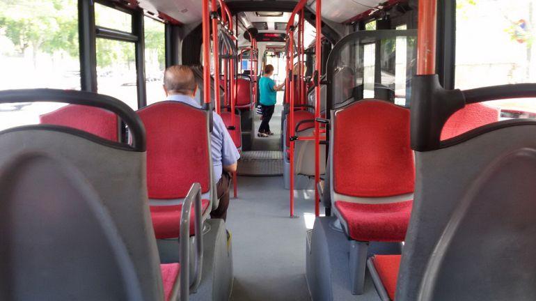 Anulada la adjudicación de los buses a AUZSA | Radio Zaragoza ...