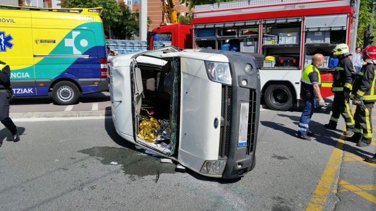 Resultado de imagen de accidente furgonetas en zona urbana