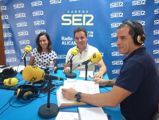 La abogada Marta Villén y el inspector de policía, José Miguel Serna, en Hoy por Hoy Alicante