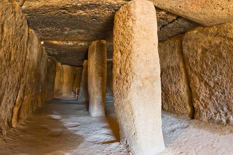 Interior de Los Dólmenes de Antequera (Málaga)