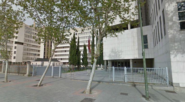Entrada a los juzgados de Madrid por Capitán Haya