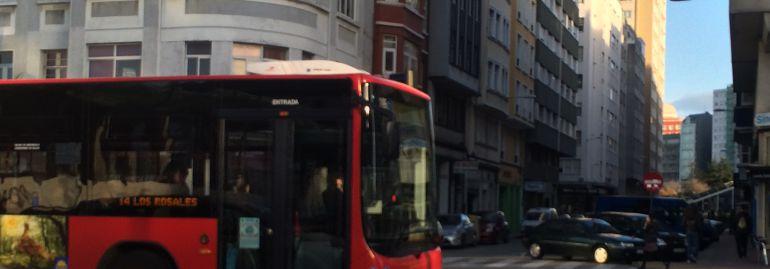 Bus urbano pr las calles de A Coruña