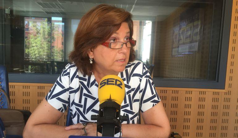 María Victoria Soto, concejala de Educación, en los estudios de la SER