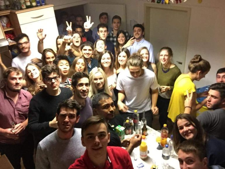 Fiestas y ruido en pisos de estudiantes en pleno mes de for Pisos estudiantes badajoz