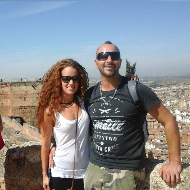 Ana Huete junto a Cristian, su novio.
