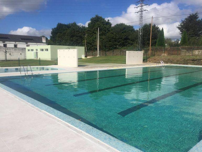 la apertura de las piscinas en r bade crea pol mica