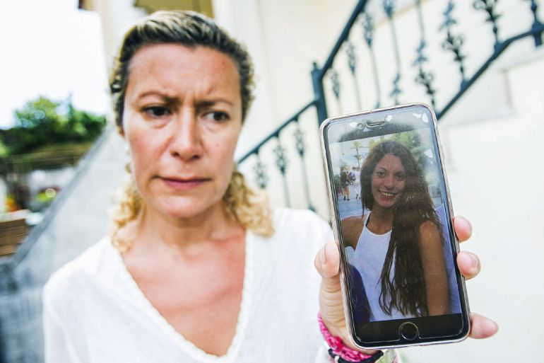 La madre de la joven Diana María Quer López-Pinel, de 18 años, que se encuentra desaparecida desde el 22 de agosto.
