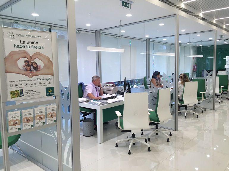 Caja rural del sur inaugura su nueva oficina principal en for Red de una oficina