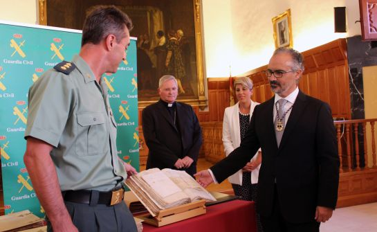 La Guardia Civil devuelve a Caravaca importante documentación histórica