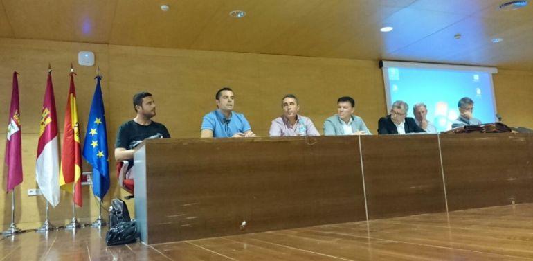 La Junta analiza el funcionamiento de los centros de Infantil, Primaria y Secundaria