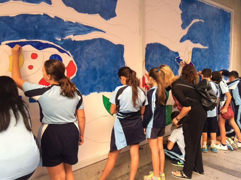 Mural de sabiduría y conocimiento con alumnos de centros escolares