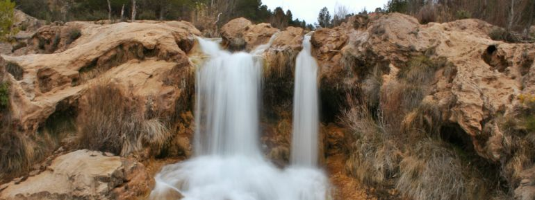 Uno de los saltos de agua del paraje de las Chorreras del Cabriel.