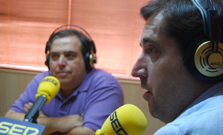 Pedro Benayas (Periódico SUR Madrid) y Gustavo Muñana (Periódico Móstoles al día)