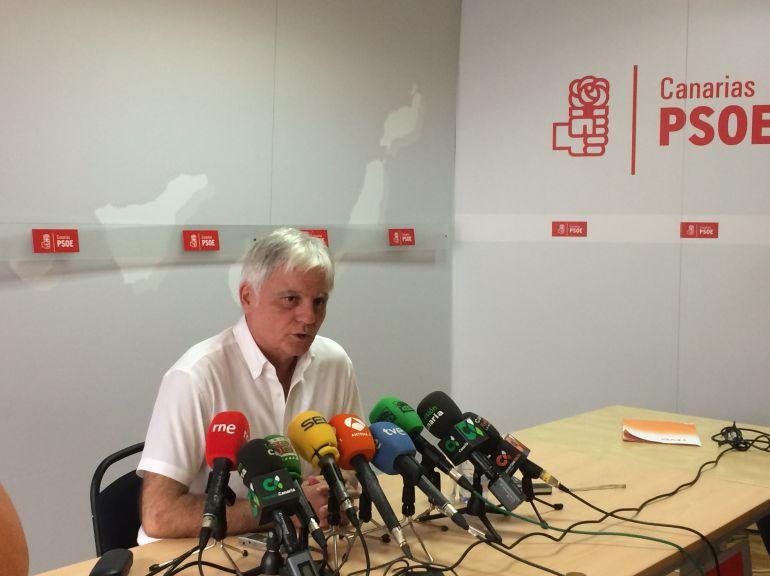 Pérez defiende su lealtad al PSOE y dice que dimitió de la Ejecutiva Federal por cambio de prioridades