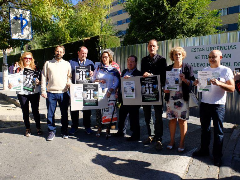 Presentación de la manifestación y pegada simbólica de carteles anunciadores