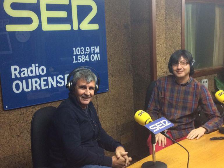 Moncho Conde Corbal e Israel Elíaz en los estudios de Radio Ourense