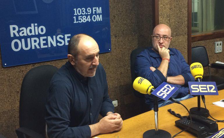 Fernando Salinero y Xose González en los estudios de Radio Ourense