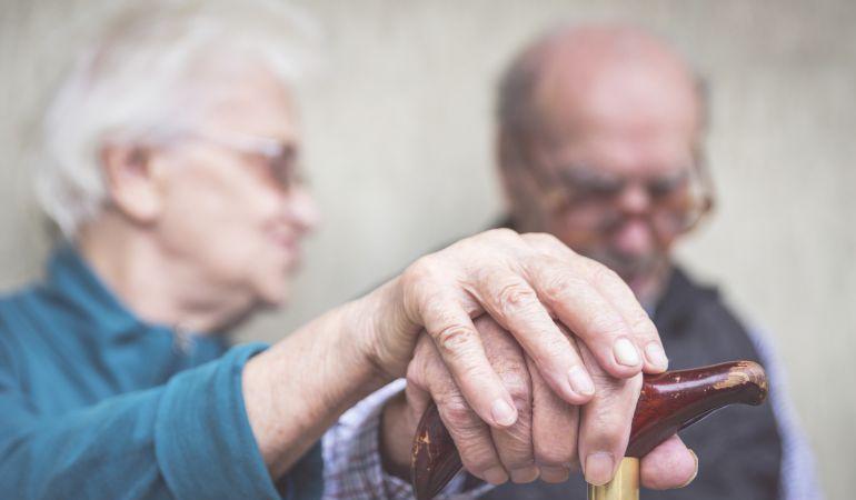 Mayores afectados por Alzheimer