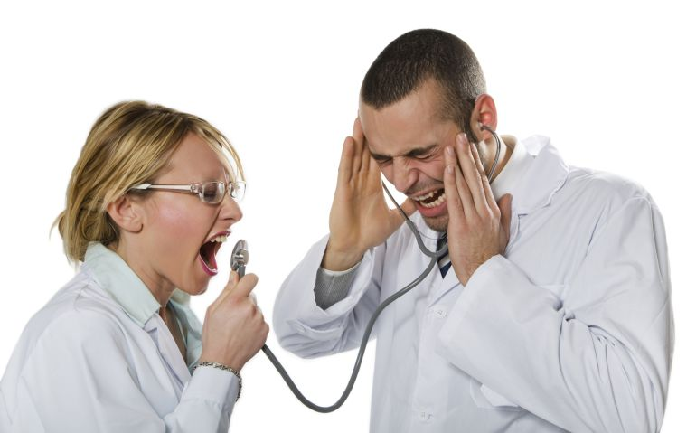 El SESCAM condena las amenazas a médicos en un centro de salud de Hellín