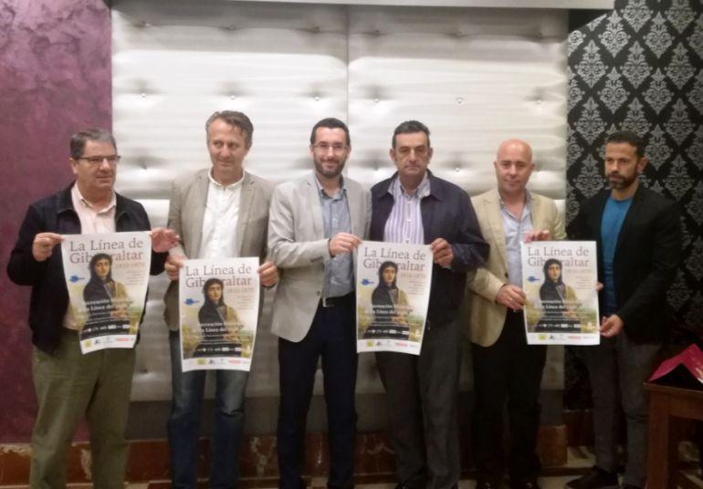 """Algunos de los organizadores del evento """"La Línea de Gibraltar""""."""