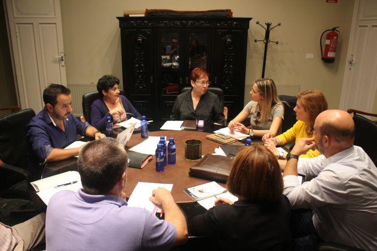 Asociaciones de vecinos Vall d'Uixò: El Ayuntamiento recupera la coordinadora de asociaciones de vecinos