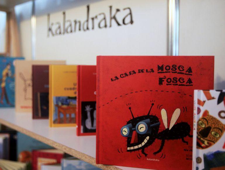 Libros en una exposición en la que participa la editorial gallega