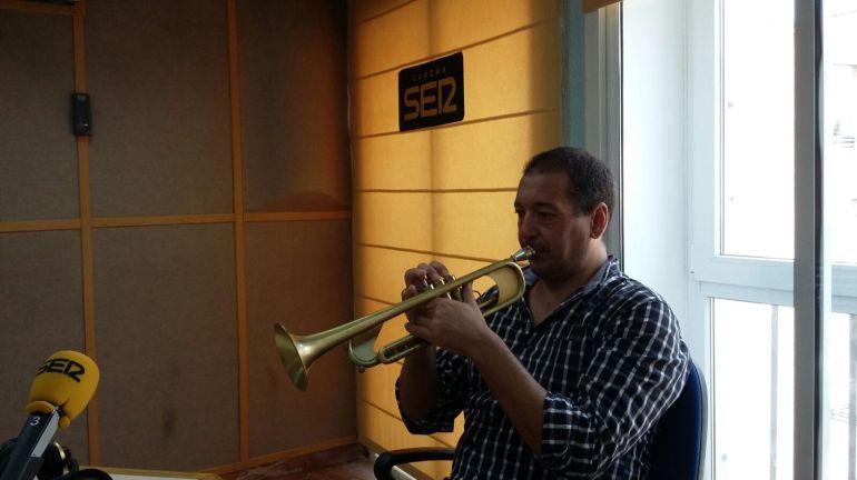 El trompetista onubense Carlos Garrido