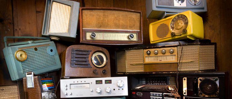 Colección de radios antiguas.