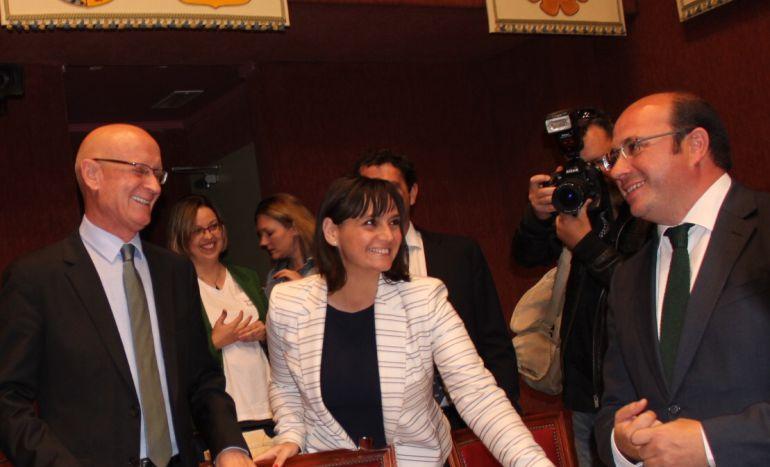 Pedro Antonio Sánchez, a su llegada al hemiciclo antes de comenzar la última sesión de control al Gobierno Regional en la Asamblea Regional