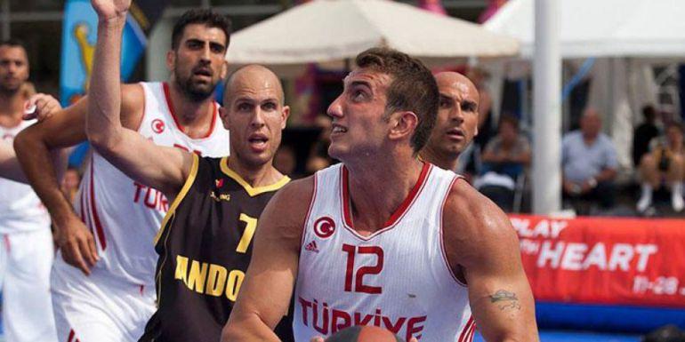 La selecció en un partit davant Turquia.