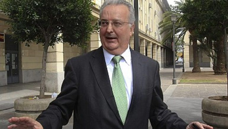 Caso ERE La Junta de Andalucía pide pena de prisión para un ex consejero de su gobierno: La Junta pide seis años de prisión para el ex consejero Fernández