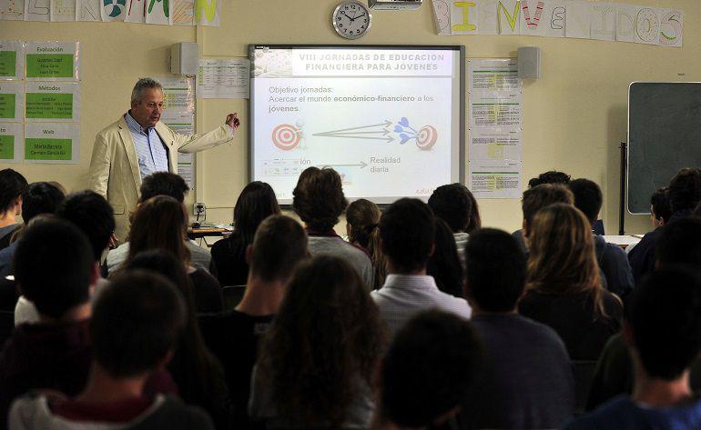 Unicaja inicia en Sevilla y Málaga sus jornadas de Educación Financiera