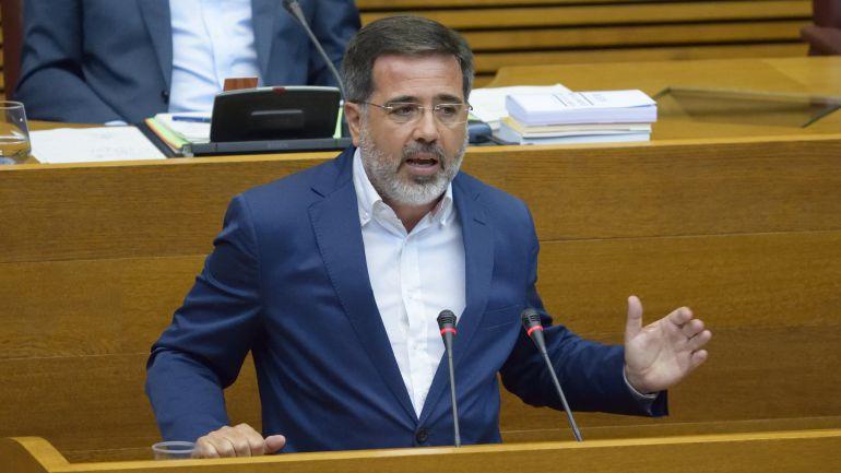 Alfredo Castelló, diputado del PP en Les Corts y exalcalde de Sagunt en una sesión plenaria en Les Corts