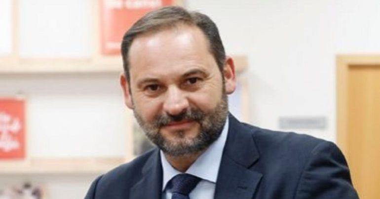 Abstención de los socialistas: José Luis Ábalos defiende el no del PSOE al gobierno de Mariano Rajoy