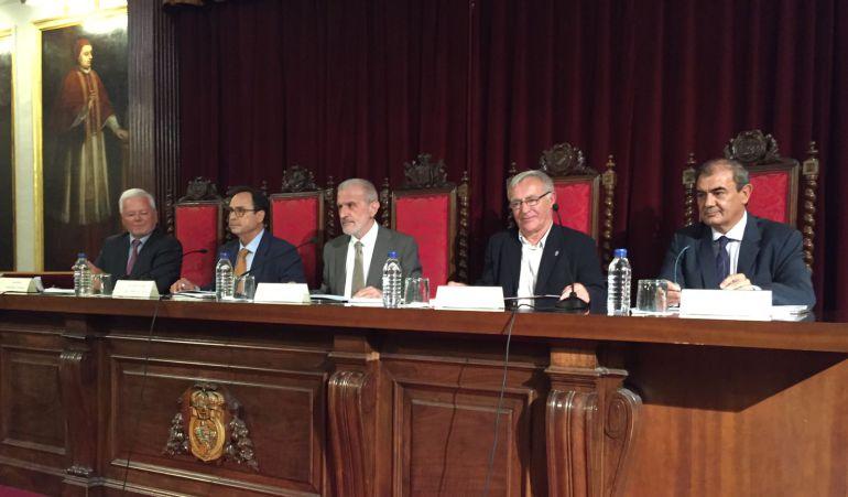 El alcalde ha participado, en el paraninfo de la Universitat de València, en la inauguración del 30 aniversario de CIRIEC, el centro internacional de investigación e información sobre la economia pública, social y cooperativa
