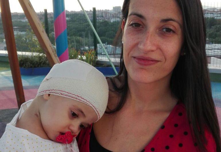 """""""Pido a la Junta que ayude a mi hija de 16 meses"""""""