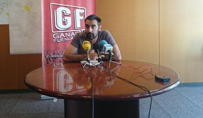 El portavoz de Ganar Fuenlabrada pide explicaciones por no estar homologados los cursos que comenzarán en tres semanas.