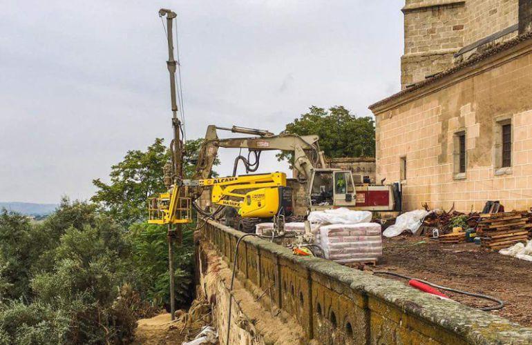 Actuaciones que se están desarrollando en la ladera en la que se encuentra la Catedral de Coria