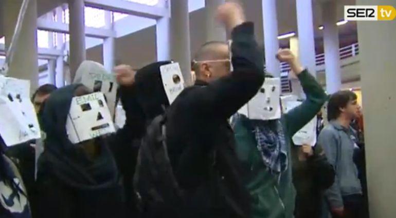 Imagen del boicot al acto en la Universidad Autónoma de Madrid.
