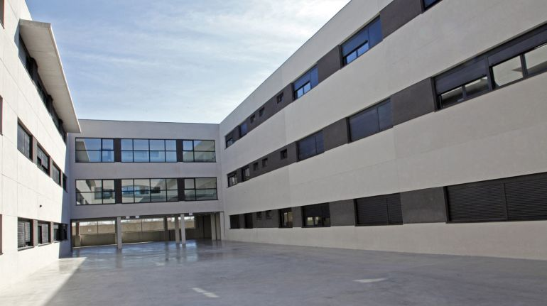 La Comunidad denuncia a la Fiscalía la carta homófoba del director del colegio de Alcorcón