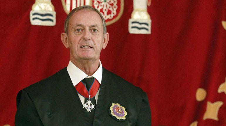 """El Presidente de la Audiencia Astor Landete arremete contra aquellos que no quieren derribar el """"mamotreto"""""""