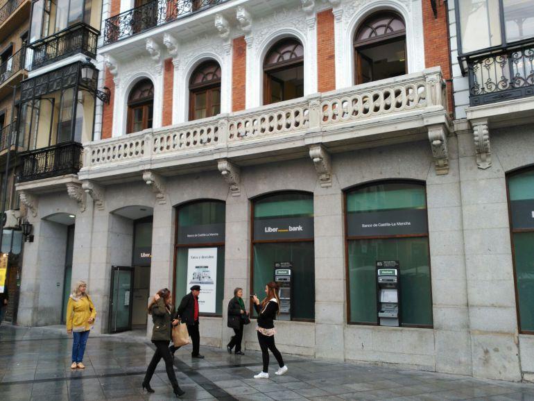 Desalojada la oficina central de liberbank en toledo ser for Oficinas liberbank barcelona