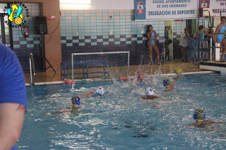 Algeciras sede del andaluz infantil de waterpolo radio for Piscina algeciras