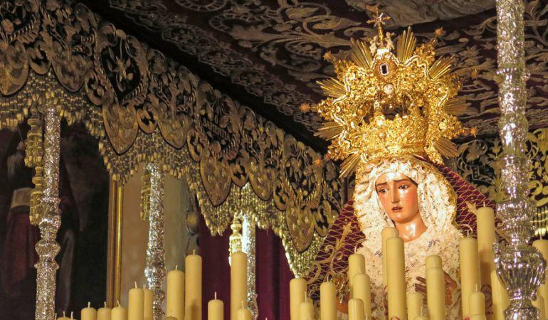 La Virgen de La O en su paso de palio para la salida extraordinaria de este sábado