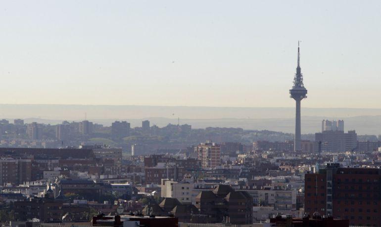 Vista del cielo de Madrid en la jornada, este lunes.