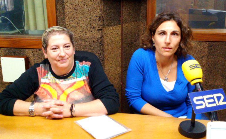 Montserrat Fernández, acogedora, y Sonia López, psicóloga de Cruz Roja en nuestro estudio