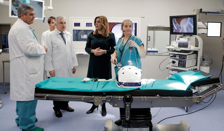 Resultado de imagen de Quirófano Hospital Universitario de Valme